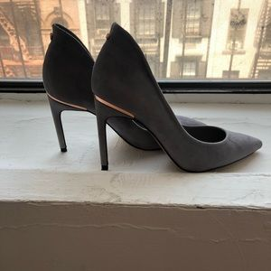 Ted baker suede grey pumps